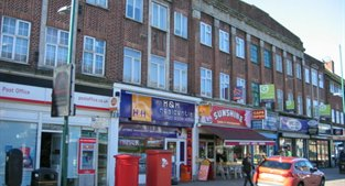 62 The Broadway, Tolworth, KT6 7HR